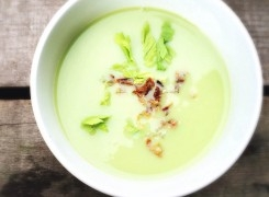 Creamy Cauliflower and Asparagus Soup